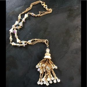 Jewelry - Glamorous Gold Tone & Crystals Necklace